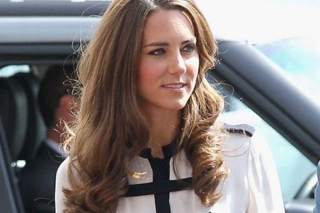 Women Having Their Noses Carved Into Copies of Kate Middleton's