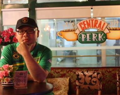 Shanghai Welcomes Replica Central Perk, Future Renditions of 'Smelly Cat'