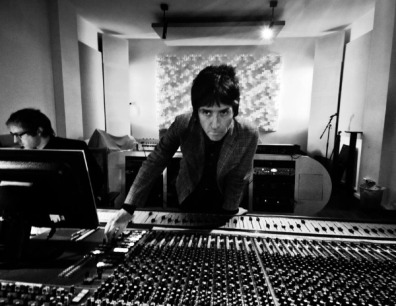 Johnny Marr Plays 'Heaven Knows I'm Miserable Now' For the First Time in 25 Years